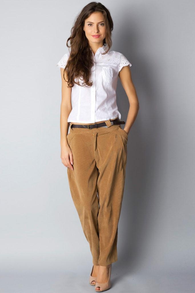 чиносы коричневые под рубашку с коротким рукавом