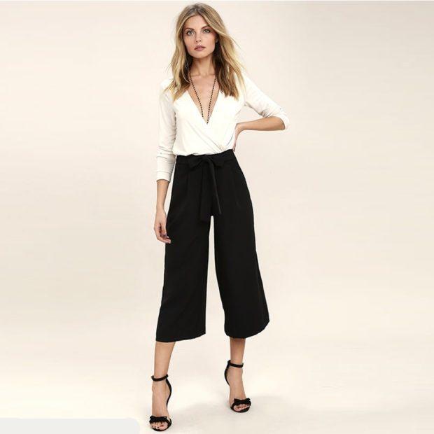 с чем носить брюки с завышенной талией: черные с поясом