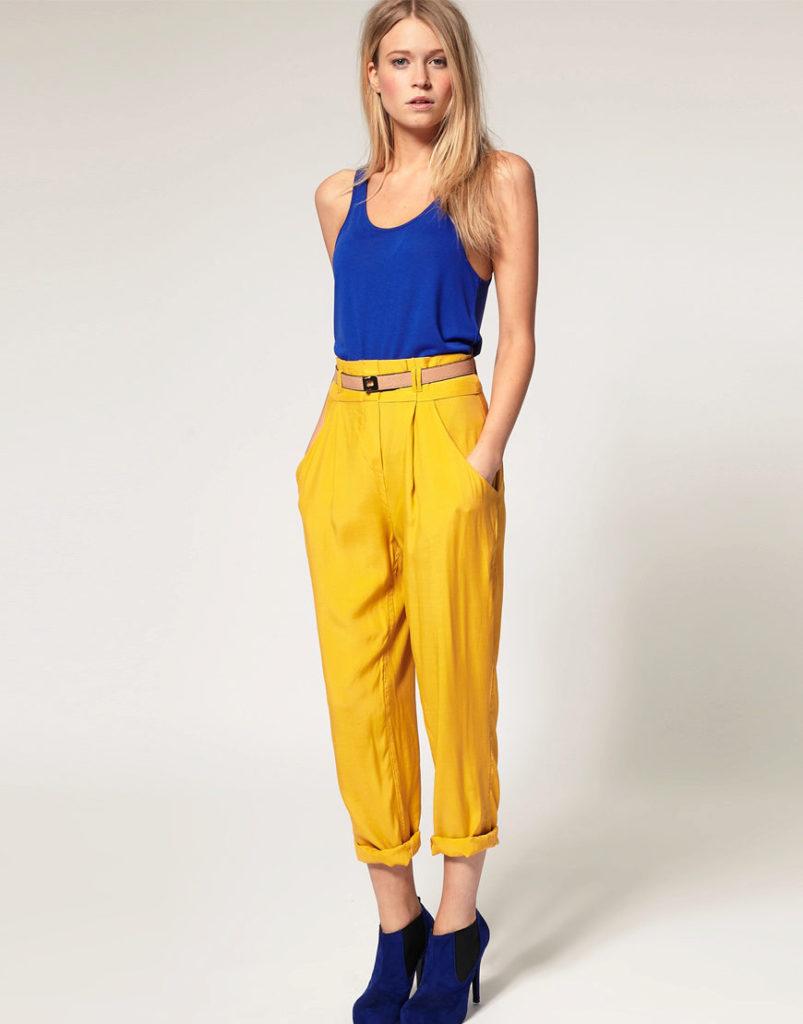 брюки с завышенной талией желтые с поясом