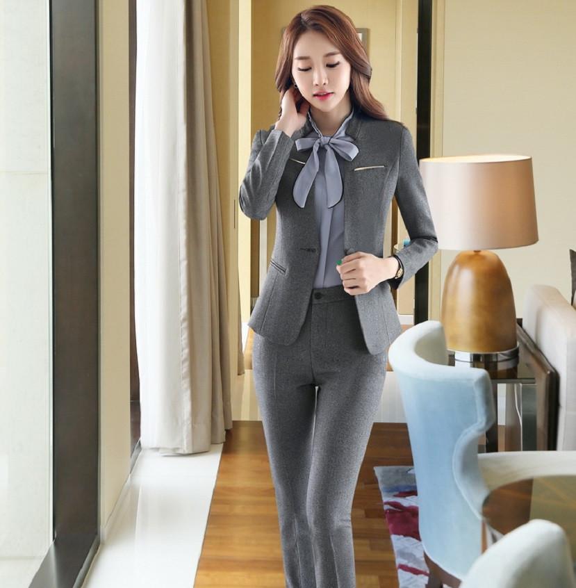брюки с завышенной талией серые с пиджаком