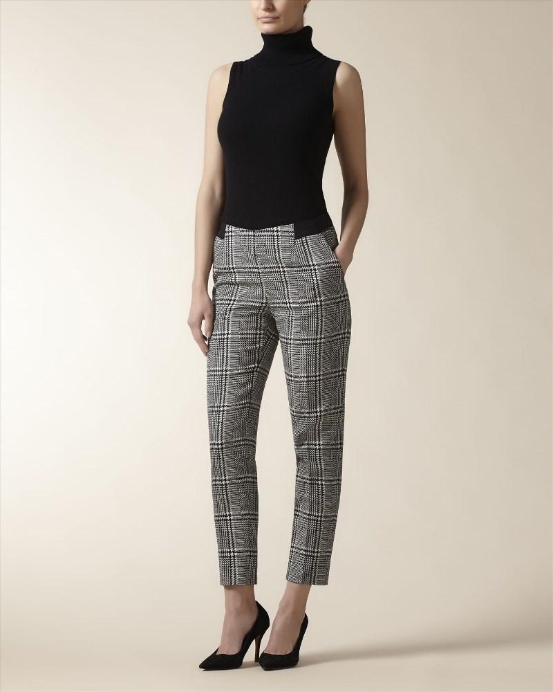 брюки с завышенной талией клетчатые с футболкой