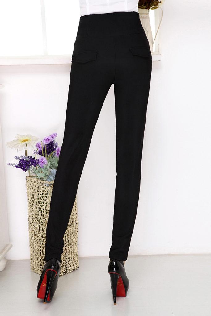 брюки с завышенной талией черные с топом и лабутенами