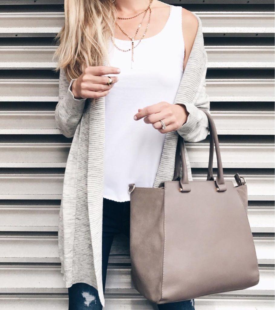 модные кардиганы: серый трикотажный