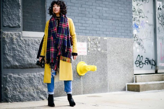 модные женские кардиганы: желтый длинный без застежки