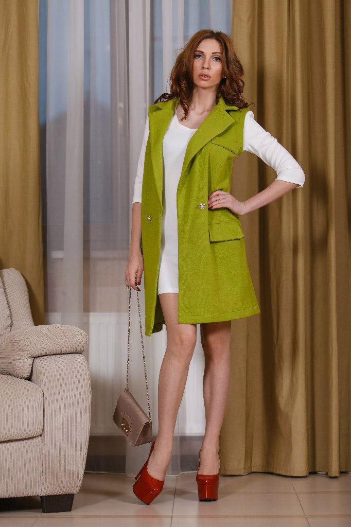 женский кардиган: жилетка оливкового цвета с карманами