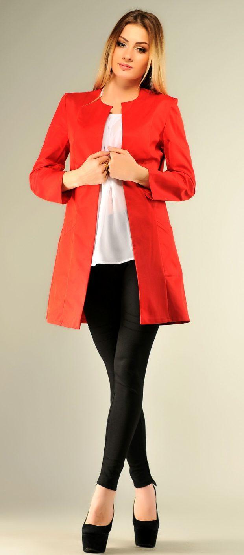 женские пиджаки: красный удлиненный