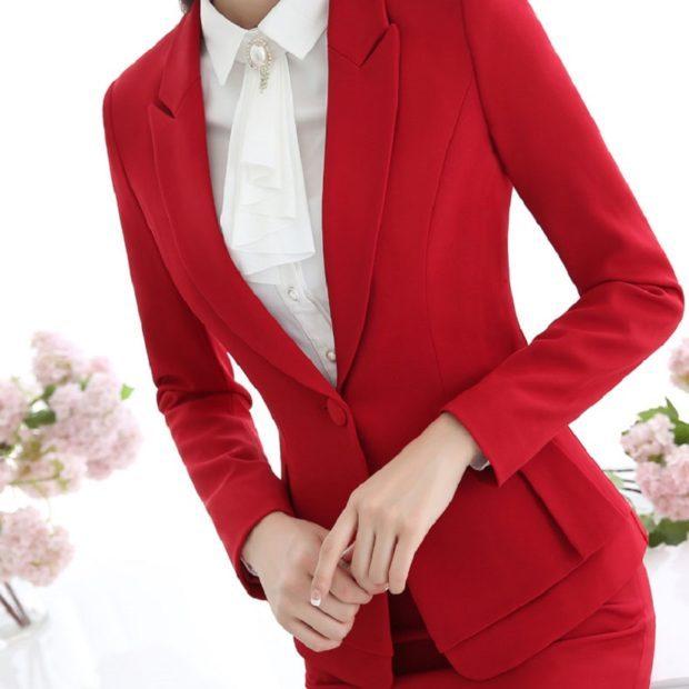 женские пиджаки: красный приталенный