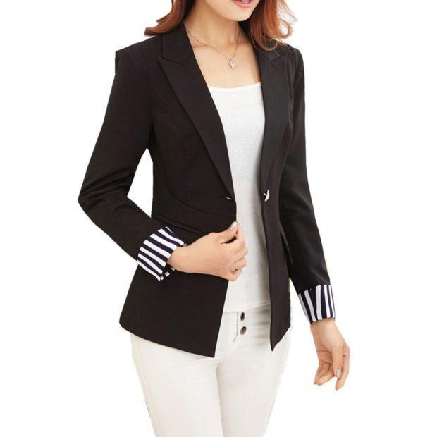 женские пиджаки: черный рукав в полоску