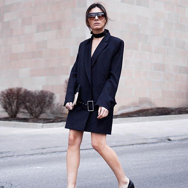 удлиненный пиджак женский 2018 2019 черный в полоску