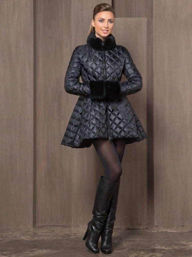 модный пуховик: черный с меховым воротником и меховым манжетом