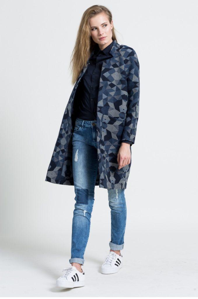 джинсы под пальто камуфляжного типа