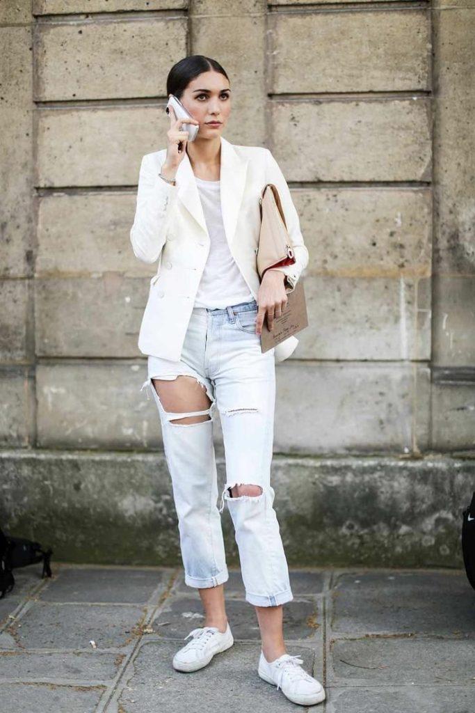 джинсы под пиджак белый классика низкий ход кеды