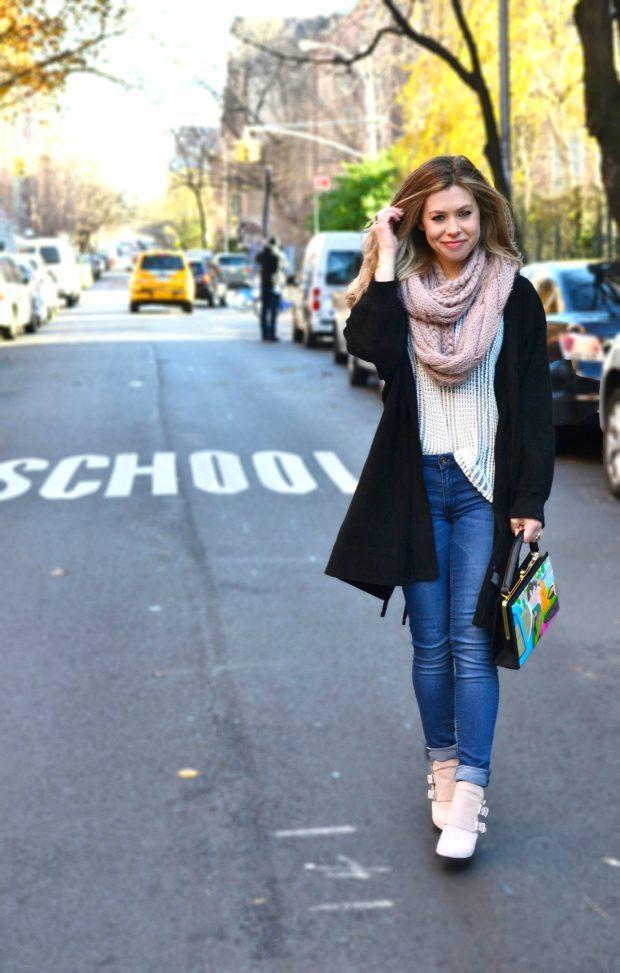 с чем носить джинсы женщине: модный лук
