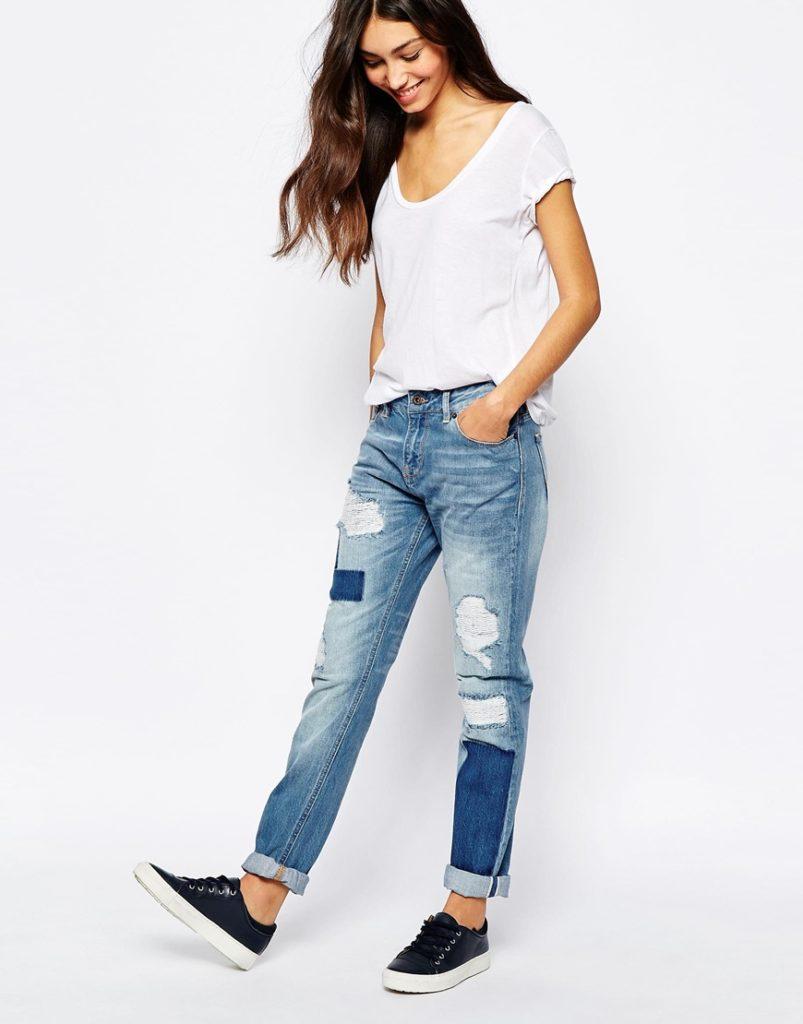 джинсы под футболку белую