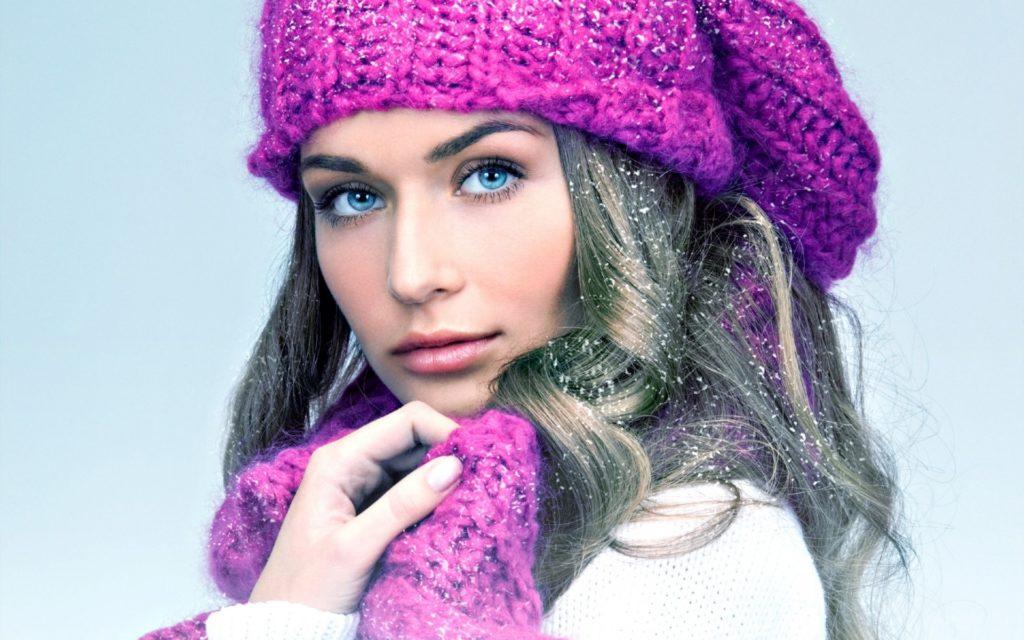 шапки 2019-2020: розовая с шарфом