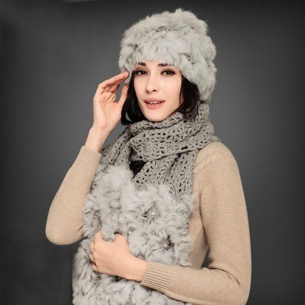 шапка осень-зима: серая из меха и шарф