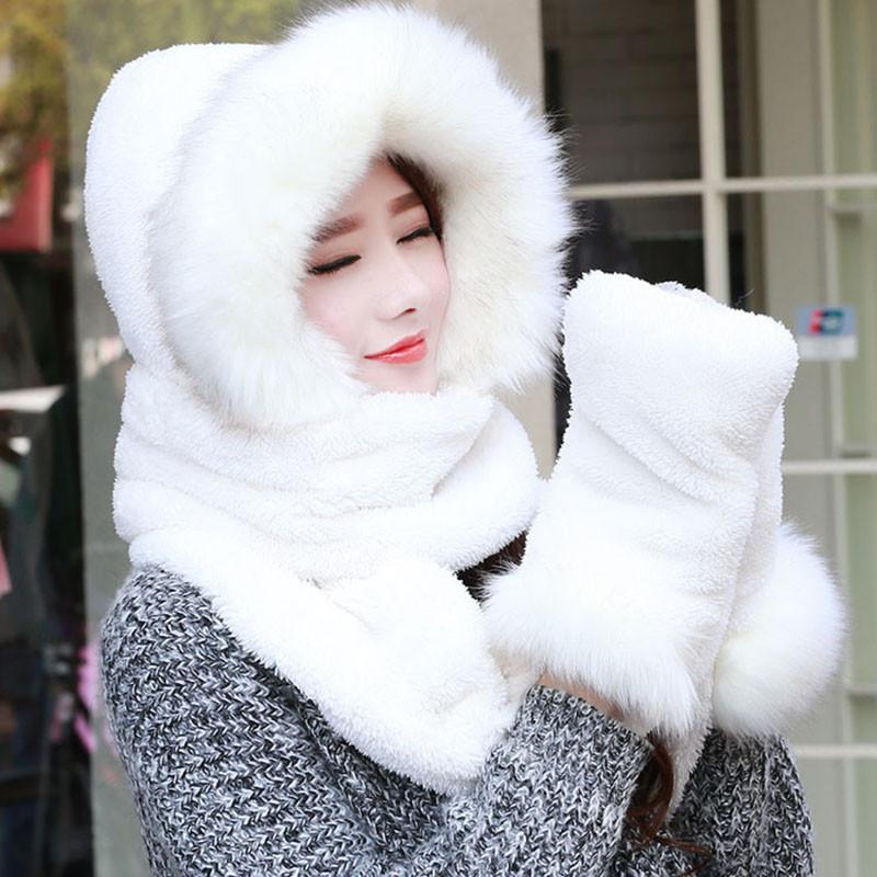 меховая белая шапка шарф рукавички