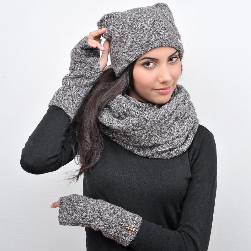 серая шапка с ушками шарф кольцо