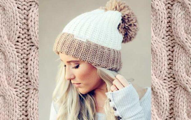 шапка осень-зима: вязаная светлая с бубоном