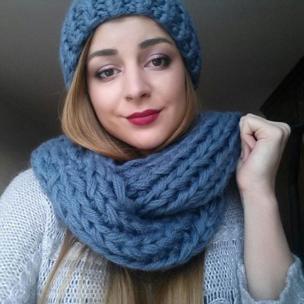 шапка осень-зима: крупная вязка с шарфом синяя