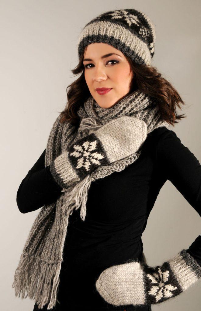 шарф и шапка черное с белым