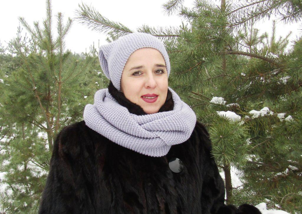 шапки осень-зима: бини серая с шарфом в цвет