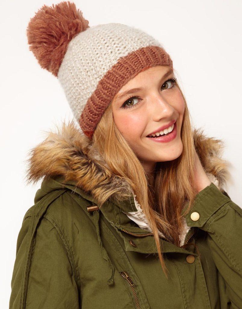 шапка осень-зима: с бубоном коричневая с бежем