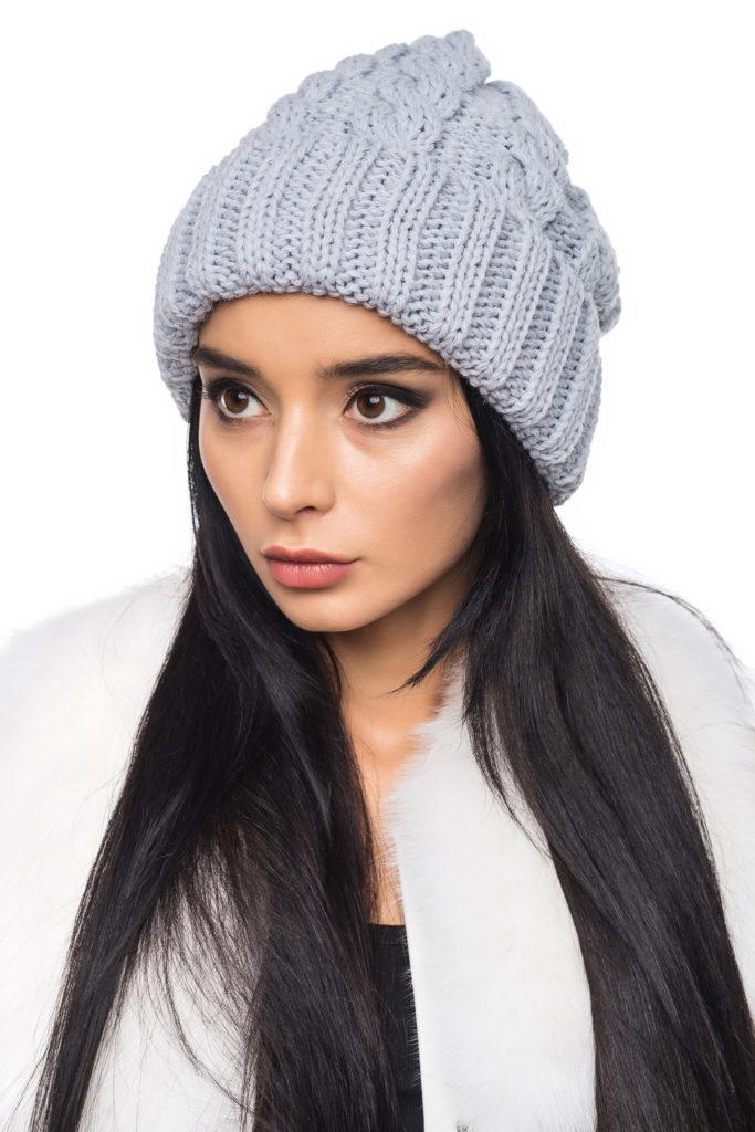 шапка осень-зима: с отворотом серая светлая