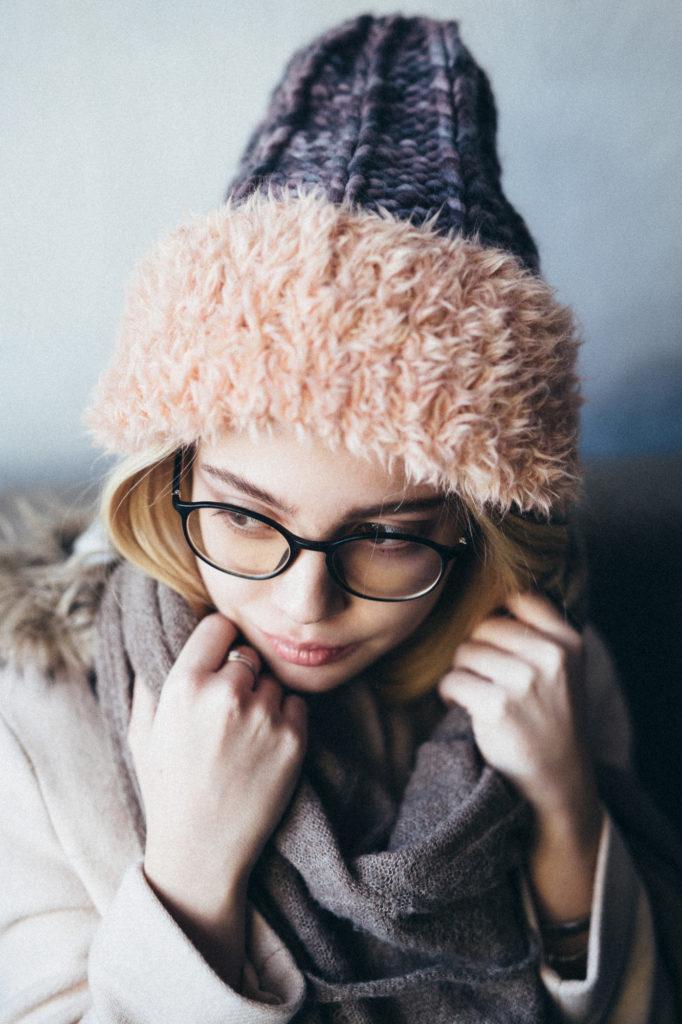 шапка осень-зима: с отворотом крупная вязка