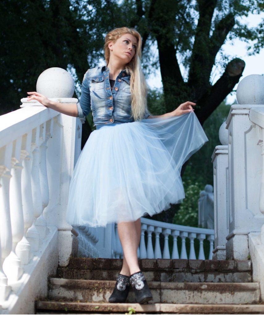 голубая юбка пачка под катоновую рубашку