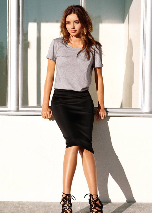 черная юбка-карандаш под блузку с коротким рукавом