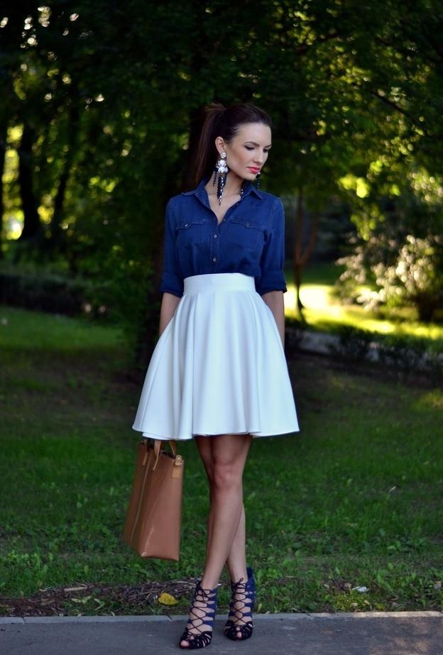 белая юбка солнца под джинсовую рубашку