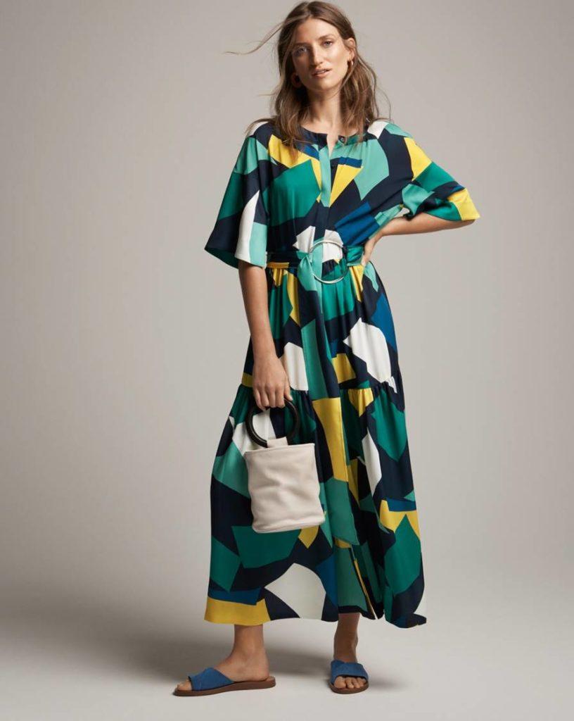 цветное платье миди в геометрические фигуры