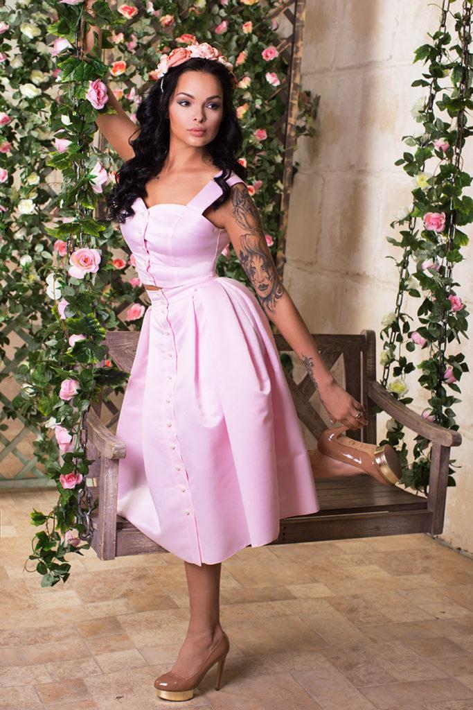 топ и юбка-солнце розового цвета