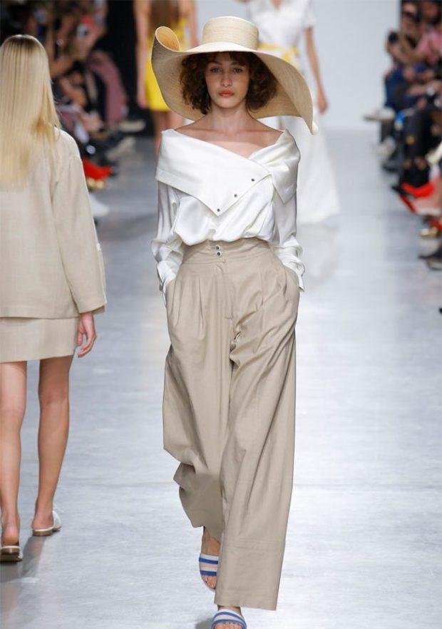 бежевые брюки широкие под кофту белую с открытыми плечами