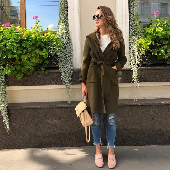 короткие джинсы под пальто зеленое