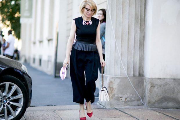 черные широкие короткие штаны под черную блузку без рукава