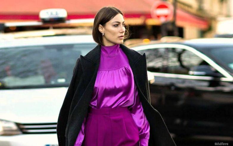 фиолетовое атласное платье