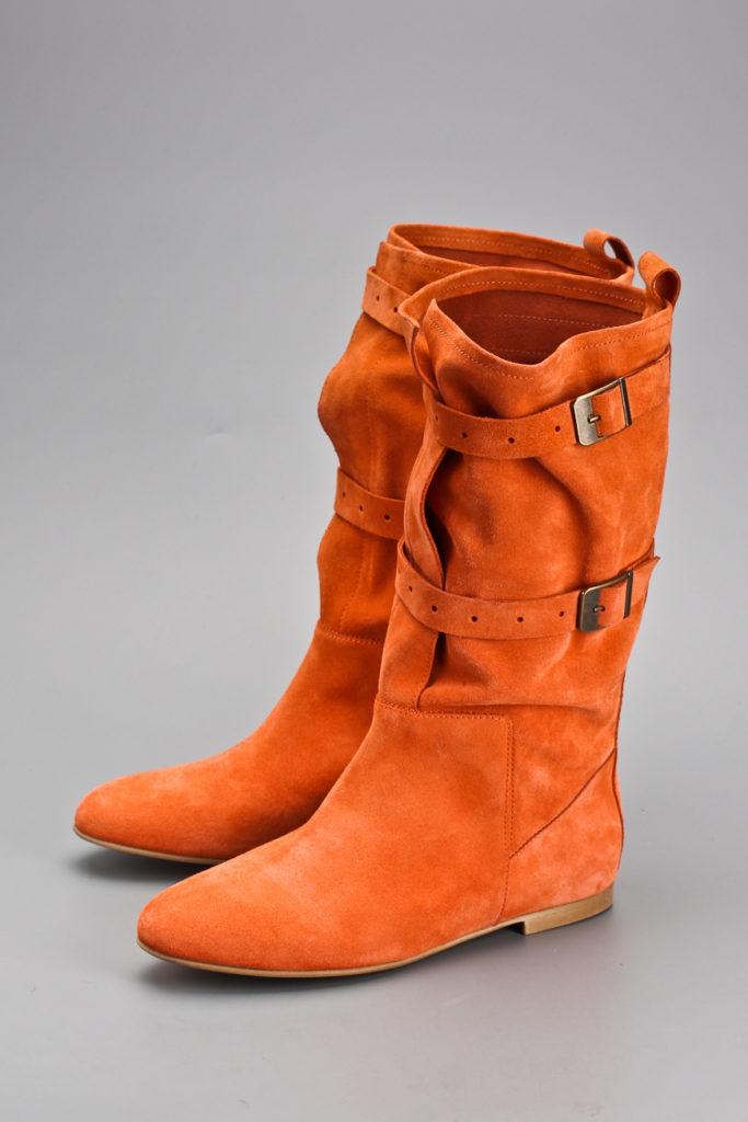 оранжевые сапоги