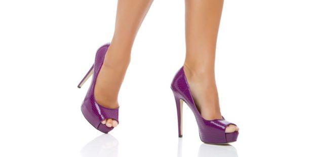 яркие фиолетовые туфли