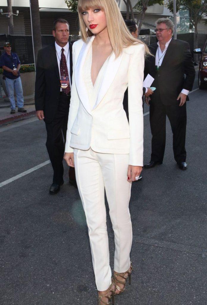 Классические брюки женские белые