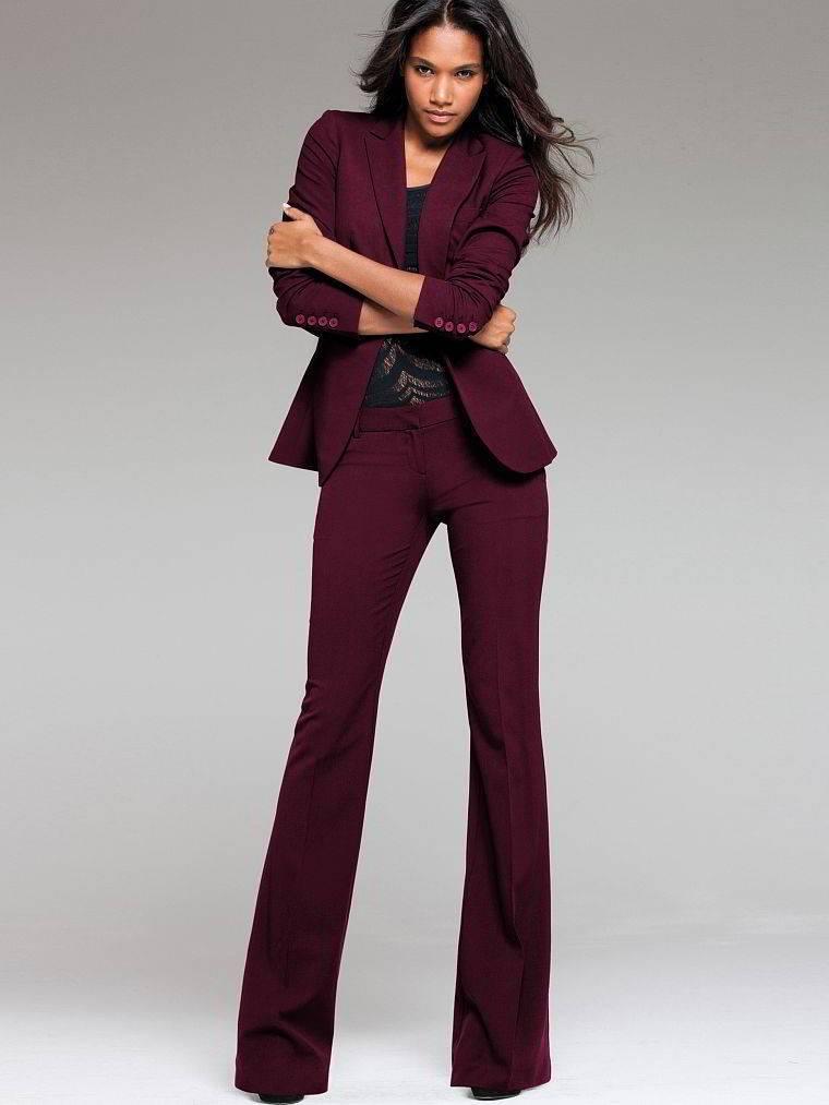 Расклешенные брюки женские бордовые