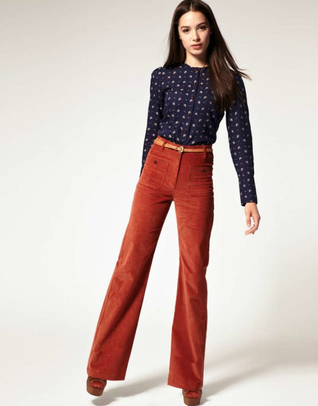 Расклешенные брюки женские красные