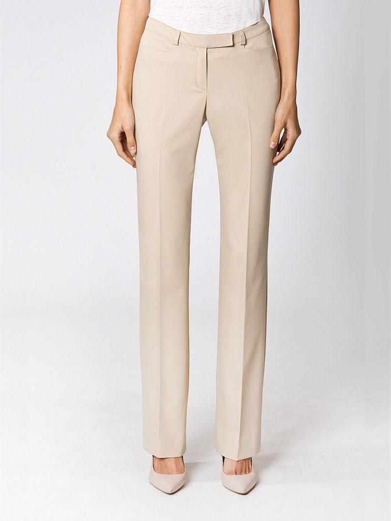 Прямые брюки бежевые