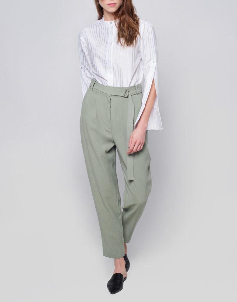 Зауженные брюки серые короткие