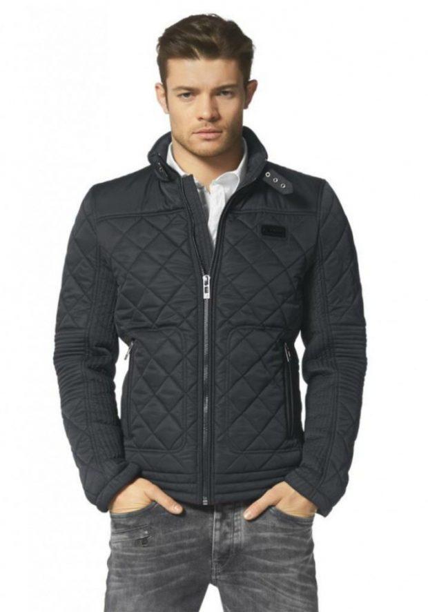 мужские куртки весна 2020: черная стеганая
