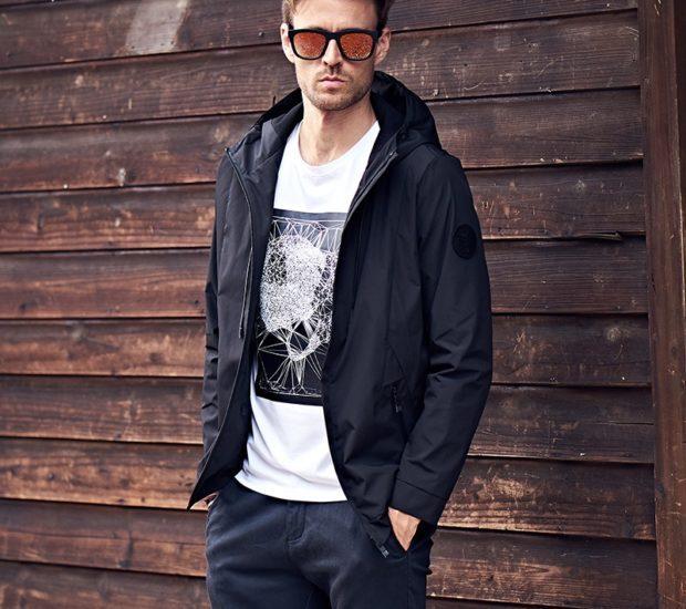 мужские куртки весна 2020: черная ветровка