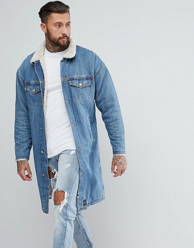 джинсовая куртка удлиненная с меховым воротом