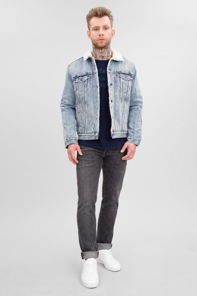 джинсовая куртка серая с меховым воротником