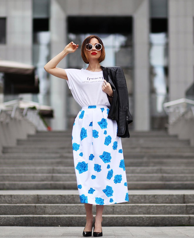 юбка-миди белая в синий цветок